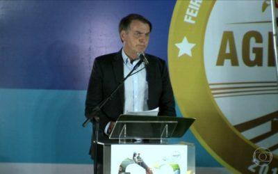 Bolsonaro anuncia R$ 1 bi para o seguro rural e defende isentar de punição proprietário rural que ferir invasor